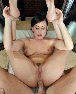 Big round ass pornstar Jennifer White..