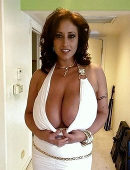 Busty Eva Notty big boobs, mature..