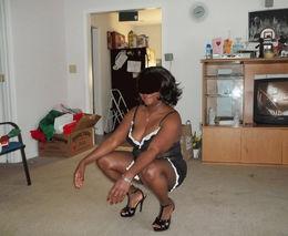 Amateur black maid flashing and..
