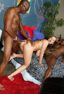 Blacksonblondes.com - beddable chick..