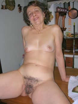 Picture collection of mature nudists..