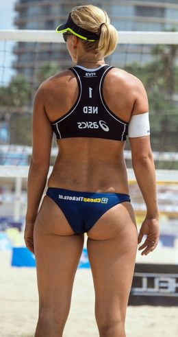 Sexy athletic girlfriends from italian..