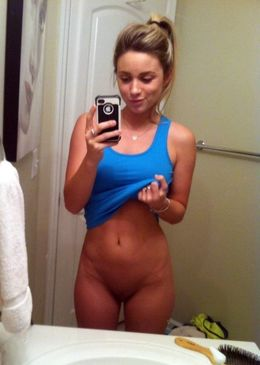 Naked American student, sexy selfie,..