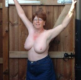 Naked German Mature Ladies Flashing or..