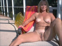 Chubby naked Granny Spreads your..