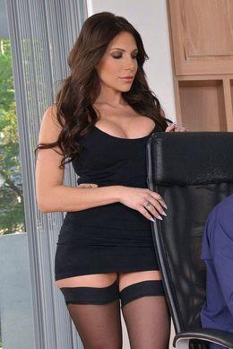 Boobed pornstar Jaclyn Taylor seduces..