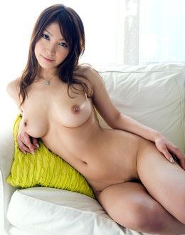 Stunning asian hottie Kokomi Sakura..