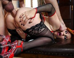 Horny bussines lady Penny Pax gets..
