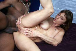 Aged whore from Kickass Jillian Foxxx..