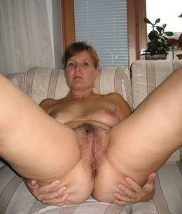 Plump mature mom with huge boobs..