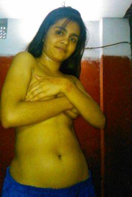 Busty 19 yo indian girl in amateur..