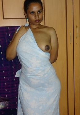 Plump indian ex-wife posing naked