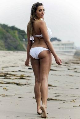 Sexy Mia Malkova taking in some waves..