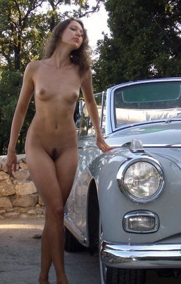 Nude-in-russia.com - Sexy young girl..