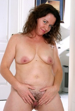 Hairy pussy MILF from Auntjudys