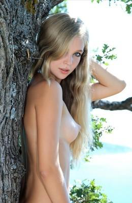 Aquamarine Russian nude art babe